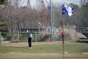 [포토] 최경주재단 골프꿈나무 선발전...어프로치샷